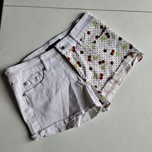 Skull Cherry White Shorts